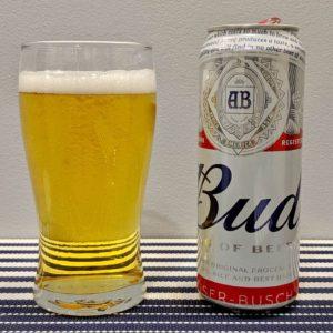 пиво бад в стакане